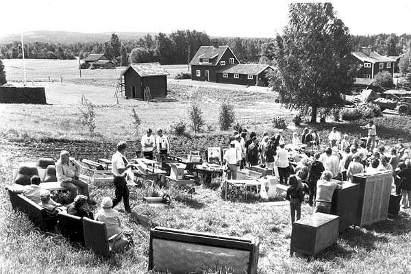 Auktion 1983 Nedanför gamla bystugan.