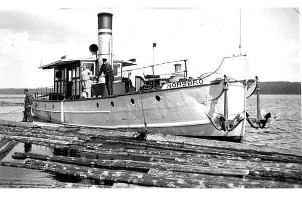 Flottningsbåten Norsbro. En av alla ångbåtar som bogserade stora timmerflot över Siljan under flottningsperioden på Österdalälven.